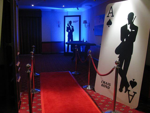 Take a Look at Setting Up Casino Royale Party Games