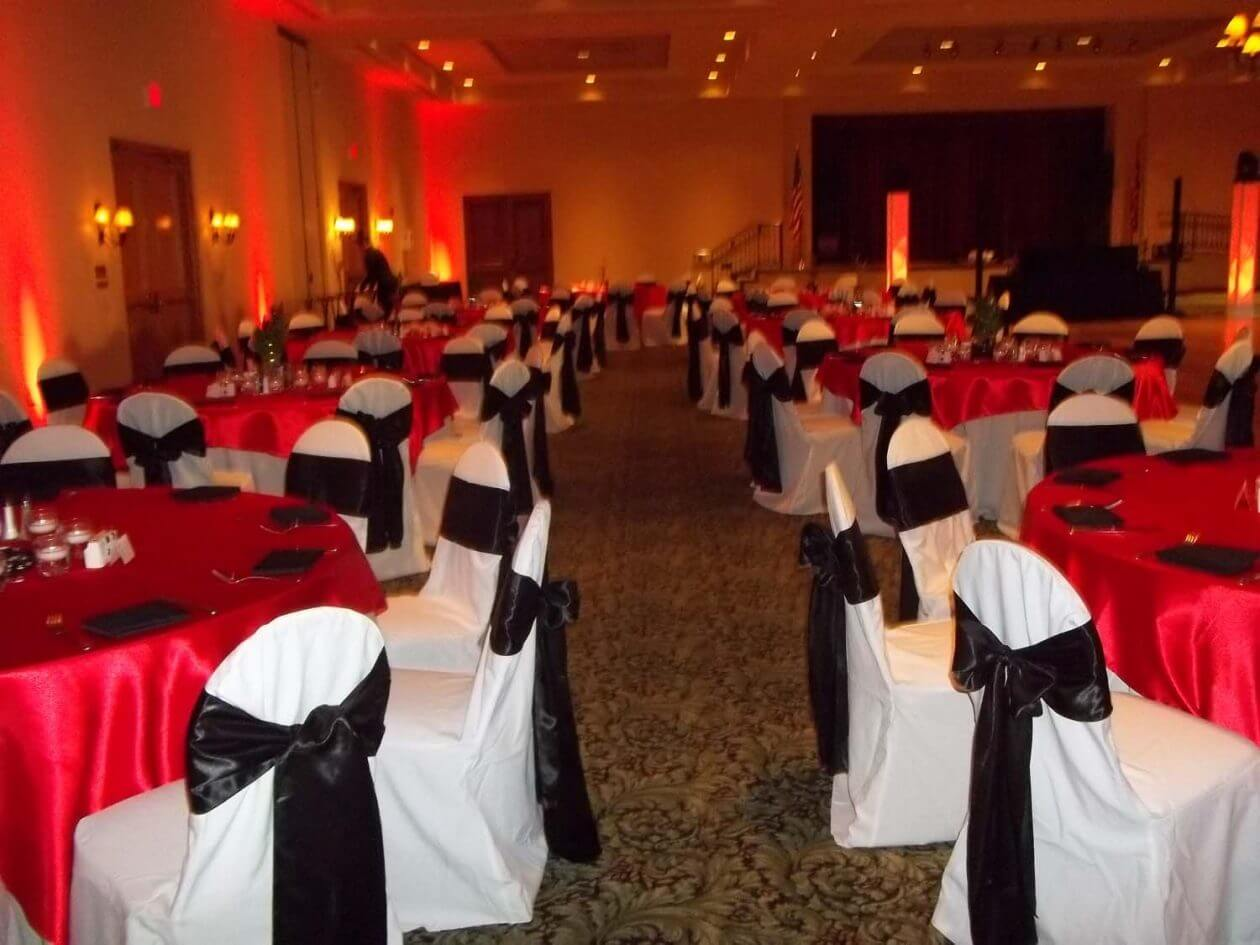 Throwing a Casino Themed Wedding